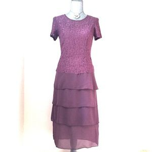 Dresses & Skirts - Fancy Dusty Purple Midi Dress with lace top